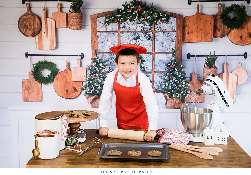 christmas cookie kitchen mini session